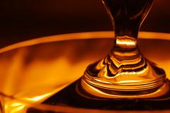 glowing glass (Elisabeth patchwork) Tags: sigma sigmasdquattro sigma105mm glass lid reflections glow orange deckel sundaylights