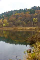 IMG_5385_Done (PawelPach) Tags: devilslakestatepark baraboo wisconsin fall colors leaves leaf fallcolors orange water panorama park scenery lake trees red rock rocks view