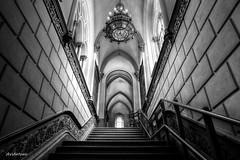 Subiendo escaleras. (AviAntonio) Tags: escales virat virado línies lineas geometries santuaridenúria girona