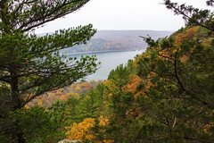IMG_5288_Done (PawelPach) Tags: devilslakestatepark baraboo wisconsin fall colors leaves leaf fallcolors orange water panorama park scenery lake trees red rock rocks view