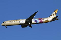 A6-BLA (JBoulin94) Tags: a6bla etihad airways boeing 7879 dreamliner special livery washington dulles international airport iad kiad usa virginia va john boulin