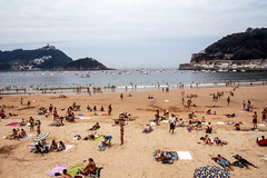 Donostia - San Sebastian (bruno vanbesien) Tags: espana sansebastian spain beach donostia paísvasco