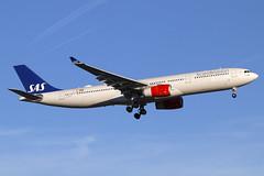 LN-RKS (JBoulin94) Tags: lnrks sas scandinavian airlines airbus a330300 washington dulles international airport iad kiad usa virginia va john boulin