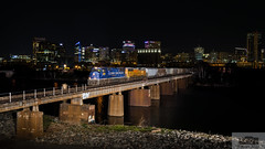 CSX G900-01 Rocketts Flash (HeritageNY) Tags: grain train csx up 2001 olympics james river richmond skyline night