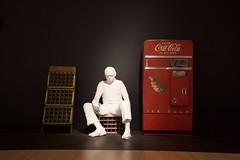 Le poste d'essence (AlainC3) Tags: lepostedessence georgeseagal muséedesbeauxartsducanada nationalartgallery ottawa canada ontario oeuvre artiste cocacola bouteille bottle homme man sculpture