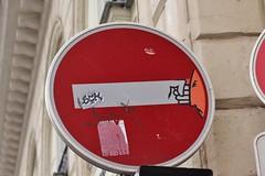 Clet_7328 rue des Saints Pères Paris 06 (meuh1246) Tags: streetart paris clet ruedessaintspères paris06 cletabraham panneau