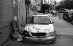 Willoughby Avenue (neilsonabeel) Tags: pentaxspotmaticf pentax spotmatic takumar m42 film analogue blackandwhite brooklyn newyorkcity car abandoned broken