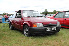 Ford Escort 1.3 Popular H564CNF (Andrew 2.8i) Tags: festival unexceptional buckinghamshire middle claydon meet show coche voitures voiture autos auto cars car euro european fordofeurope hatch hatchback mark 4 iv mk mk4 1300 popular 13 escort ford h564cnf