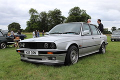BMW 320 SE H39DPN (Andrew 2.8i) Tags: festival unexceptional buckinghamshire middle claydon meet show coche voitures voiture autos auto cars car german executive compact e30 3series 320i 320ise se 320 bmw h39dpn