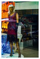 ... Noviembre  2019 ... (Lanpernas .) Tags: theafterhours maniquí mannequin maniquís escaparate muñeca doll replicantes donostia mercadotecnia vitrine rokkor minolta