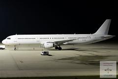 SmartLynx Airlines|Airbus A321-211|YL-LDA|14.11.2019 (Kasselspotter) Tags: kassel kasselairport flughafen airport nightshot planespotting planespotter langzeitbelichtung airbus airbusa321 a321