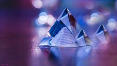 #Cristal - 7709 (✵ΨᗩSᗰIᘉᗴ HᗴᘉS✵89 000 000 THXS) Tags: cristal macro pyramide bokeh violet blue sonyilce7 sonyrx10m3 lookingcloseonfriday belgium europa aaa namuroise look photo friends be yasminehens interest eu fr party greatphotographers lanamuroise flickering