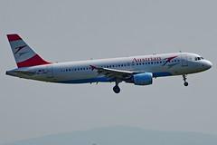 OE-LBW A320-214 Austrian  Viena 04-09-16 (Antonio Doblado) Tags: oelbw 320 airbus austrian viena aviación aviation aircraft airplane airliner