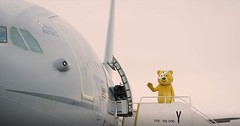 We recognise that aircraft 👀 Great to have a VIB (Very Important Bear!) On-board 💗🙌 #ChildrenInNeed #BBCChildrenInNeed #Pudsey #PudseyTheBear #Voyager #RAF #WhereIsPudseyOffTo (AirTanker Services) Tags: ifttt instagram airtanker voyager rafvoyager