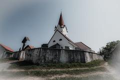 In the center (vale0065) Tags: church kerk kerkhof begraafplaats cemetary cemetery graveyard tower belltower kerktoren toren wall muur slovenia slovenië village dorp