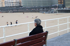 Setembre_0506 (Joanbrebo) Tags: zurriola playa platja beach plage gente gent people sansebastián donostia guipúzcoa paísvasco españa canoneos80d eosd autofocus familia