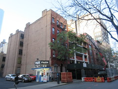 IMG_9934 (Brechtbug) Tags: sixth floor rising 350 352 now be building 2019 midtown manhattan 45th street near times square nyc 11152019 new york city cube architecture traffic transit car cars auto lots steel beams beam red brick wall green shed park brownstone 1920s apts apartment house apartments construction fence november working 6th