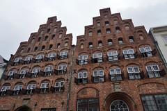 Lübeck: Wahmstraße 54-56 (zug55) Tags: lübeck hanse hansestadt deutschland germany schleswigholstein hanseaticleague hansestadtlübeck unescoworldheritagesite worldheritagesite unesco welterbe weltkulturerbe welterbestätte wahmstrase5456 wahmstrase54 wahmstrase