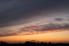 Abendhimmel 12.11.2019 (rieblinga) Tags: berlin kraftwerk lichterfelde sonnenuntergang abendrot wolken himmel vattenfall 12112019