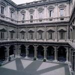 10 Антонио да Сангалло мл., Микеланджело Палаццо Фарнезе Внутренний двор