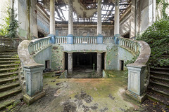 HeartShaped Staircase.jpg (doppi4punt4) Tags: abandonedplaces neglected spilled teatro old decay discarded derp abandoned urbanexplorer filth urbandecay lost urbanexploration theatre forgottenplaces lostplaces damage trash sanatorium decadenza creepy abbandono derelict sanatorio infiltration colors disused oldplaces luoghiabbandonati dome crumbling