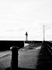 Le phare (Daniel_Hache) Tags: normandie saintvaleryencaux normandy danielhache dock phare quai automne sea autumn mer