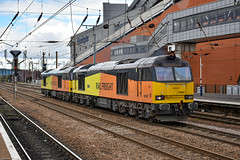 60087 + 60002 - Doncaster -  28/09/19. (TRphotography04) Tags: gb railfreight 60087 bountiful 60002 idle through doncaster with 0z66 1400 york holgate loop roberts road gbrf light engine move