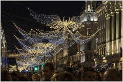 Flying High (Mabacam) Tags: 2019 london regentstreet lights illuminations christmaslights angels flyingangels night crowds oudoors