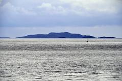 Scotland coast 10 (pjarc) Tags: uk scotland scozia tour vacanza holiday 2019 costa coast acqua water mare sea nord barca boat landscape nuvole clouds cielo sky foto photo colors colori nikon d3s ff ullapool