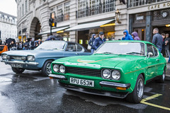 20191115_F0001: Classic Fords (wfxue) Tags: car regentstreetmotorshow regentstreet london ford classic vintage wheels blue green people street crowd