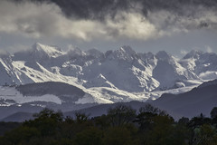 Pau_4351 (Luc Barré) Tags: pau neige pluie nuages pyrénées montagnes enneigées climat ville extérieur arc enciel arcenciel rainbow cloud snow