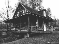 191016-118 Evil dead (clamato39) Tags: maison maisonabandonnée old oldhouse abandoned blackandwhite bw monochrome noiretblanc lotbinière provincedequébec québec canada olympus