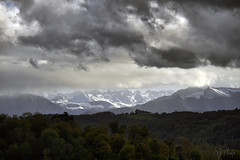 Pau_4300 (Luc Barré) Tags: pau neige pluie nuages pyrénées montagnes enneigées climat ville extérieur arc enciel arcenciel rainbow cloud snow