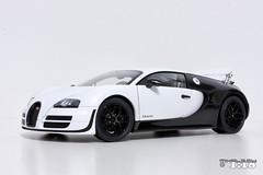 Bugatti Veyron Supersport Pur Blanc (mihals) Tags: bugatti veyron supersport purblanc autoart signature eb supercar mihals mihals118 mihalseu diecast model collection collector hobby scale scale118 hypercar ckmodelcars