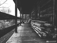 191016-116 Evil dead (clamato39) Tags: old oldhouse maison maisonabandonnée ancient ancestrale olympus lotbinière provincedequébec québec canada bw monochrome blackandwhite noiretblanc