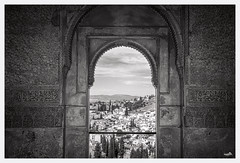 View of the emir (VandenBerge Photography (Lack of time, sorry!)) Tags: generalife alándalus laalhambra granada spain travel culture cultural europe andalucia medieval monochrome blackandwhite inscription albaicín