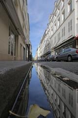 Rue de Seine - Paris (hervétherry) Tags: france iledefrance paris 75006 canon eos 7d efs 1022 rue seine reflet reflection reflexion