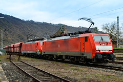 Take a rest ... two Deutsche Bahn BR189 waiting to continue their journey with a coal train in Cochem, Germany (Martin Bärtges) Tags: deutschland moselregion germany cochem nikonphotography nikonfotografie mirrorless z6 nikon güterverkehr elektrolokomotiven electric engines rot red outside outdoor drausen kohle güterzug zug trainspotters trainspotting train coal dvddeutschebahn br189
