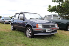 Vauxhall Nova 1.2 G142TGX (Andrew 2.8i) Tags: festival unexceptional buckinghamshire middle claydon meet show coche voitures voiture autos auto cars car british hatch hatchback gm generalmotors 1200 12 nova vauxhall g142tgx