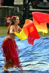 Tänzerin (Axel Khan) Tags: bauchtänzerin tanz frau hübsch attraktiv schön kostüm fantasie karneval fasching bellydancer dance woman pretty attractive beautiful costume fantasy carnival