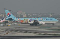 Korean Air 11th Korean Air Future Artist Olympiad Livery 747-8B5 (HL7630) - LAX Taxiway C  (3) (hsckcwong) Tags: koreanair 7478b5 747800 7478 747 11thkoreanairfutureartistolympiadlivery hl7630 lax klax