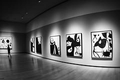 La Chasse galerie (michelgroleau) Tags: miro musée museum galerie gallery quebec oeuvre peintre artiste artist silhouette nb bw blackandwhite noiretblanc
