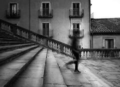 In a rush. (paulaaranoa) Tags: cataluña gerona