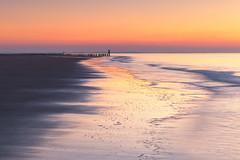 Cloudless! (karindebruin) Tags: katja zonsondergang palen poles zondag schouwenduiveland westenschouwen birds vogels golven waves