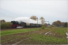 VSM BR 23 071 + Sinterklaastrein, Teuge (Tiemen Schenk) Tags: vsm br 23071 23 071 stoomtrein dampflok sinterklaastrein sint sintinapeldoorn nationale sinterklaasintocht