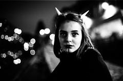 (Eric Jan Zen) Tags: halloween trix 1600 50mm 12 paris díadelosmuertos