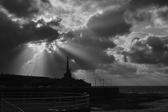 Aberystwyth War Memorial 11 11 2019 (shawn~white) Tags: aberystwyth historic warmemorial fujifilmxt2 ©shawnwhite awe cinematic dramatic magical idyllic grand powerful fujinonxf35mmf2rwr bw blackandwhite filmlook grain coast sea ocean sky clouds rays
