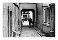 """De La Ruelle Au Sentier"" (TBWLC Photography) Tags: fdrouet tbwlc film analog street nb bw monochrome nikon f801s lc29 ilford delta400"