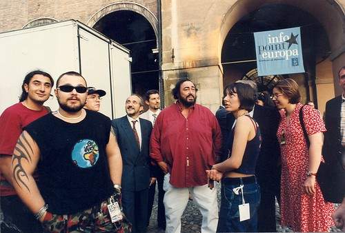 #Ozulu 🎤 #meg #99posse #pavarotti #dub #hiphop 🔊 #raggamuffin #popolare #lirica 🎥#elettritv💻📲 #webtv #underground #sottosuolo 🐉 #canalemusicale  #webtvmusicale #music 🙌 #musicaoriginale #