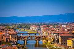 Ponte Vecchio (Ivo.Berta) Tags: italy italia europe firenze florence city town bridge architecture building color colors colour colours history old summer vacation holiday view beautiful nice blue mountain river water